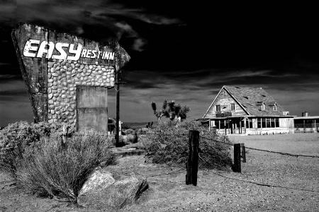 Easy Rest Inn 2010