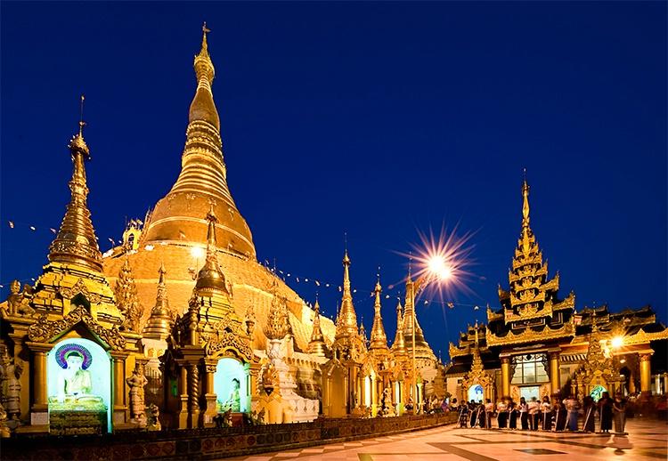 Shwedagon Pagoda, Rangoon (Yangon), Myanmar (Burma - ID: 9716744 © Jeff Lovinger