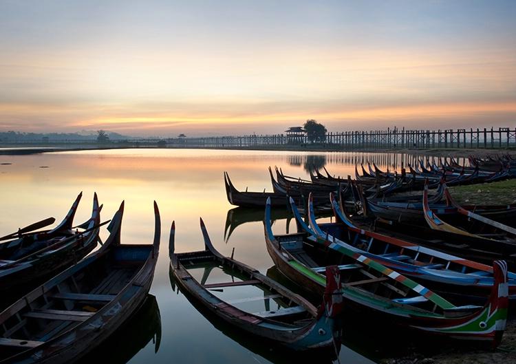 U Bein Bridge, Sunrise, Myanmar (Burma) - ID: 9749460 © Jeff Lovinger