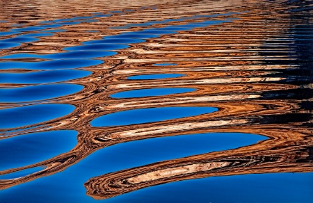 Reflections in the Waves