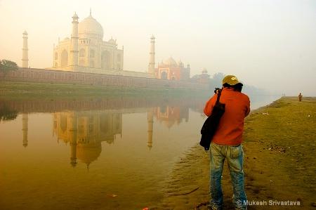 Taj Mahal and The Photographer