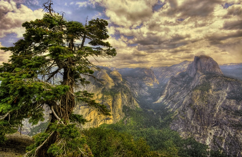 Valley Overlook - ID: 10305150 © Joseph T. Pilonero