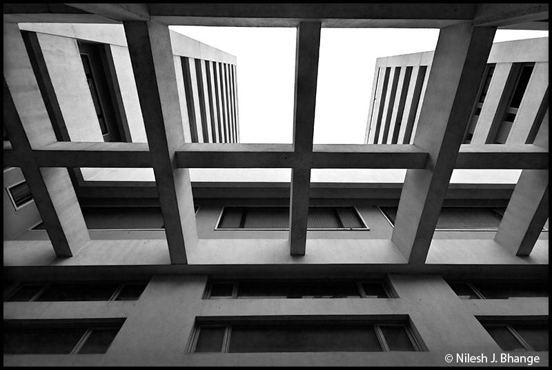 Bombay Hospital : The Art Of Symmetry