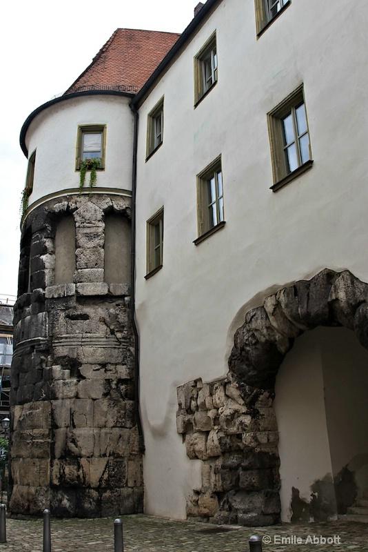 Porta Pratoria  - ID: 10858975 © Emile Abbott