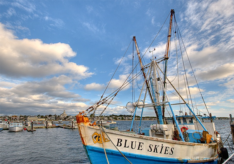 Blue Skies - ID: 11037977 © Jeff Lovinger