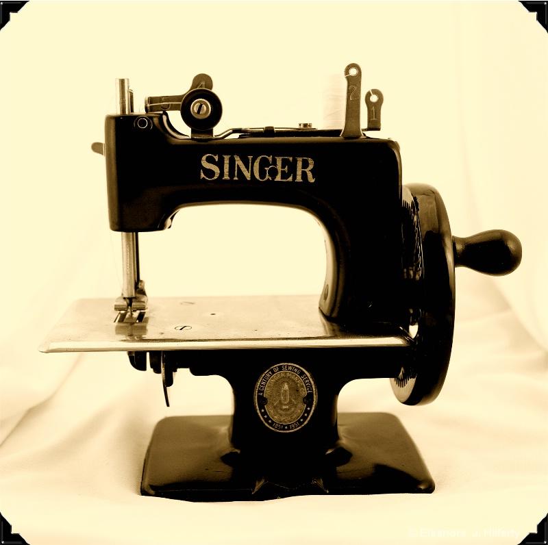 Child's toy sewing machine - ID: 11173227 © Eleanore J. Hilferty