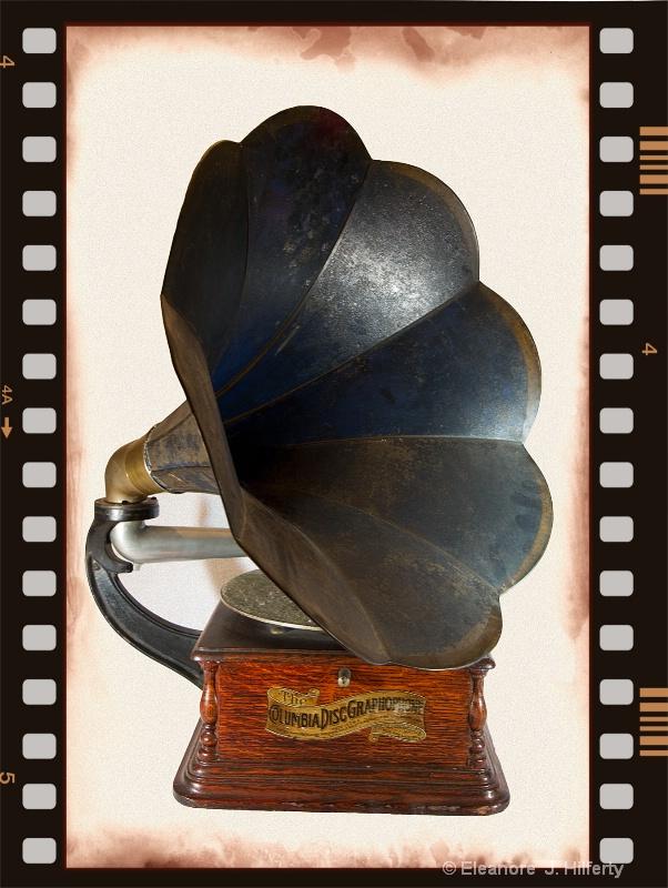 The Columbia Disc Graphophone - ID: 11181717 © Eleanore J. Hilferty