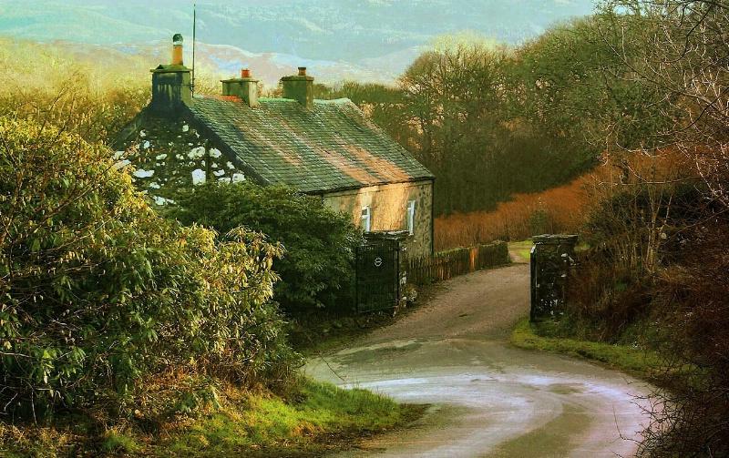 House on the Hill - ID: 11299014 © Karen E. Michaels