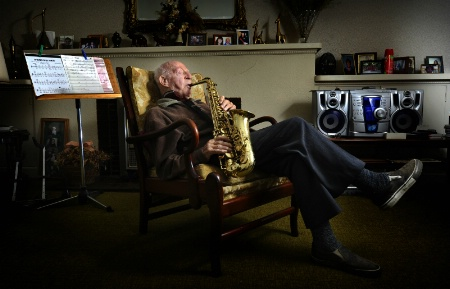 Fred Hosking 100 year old musician,