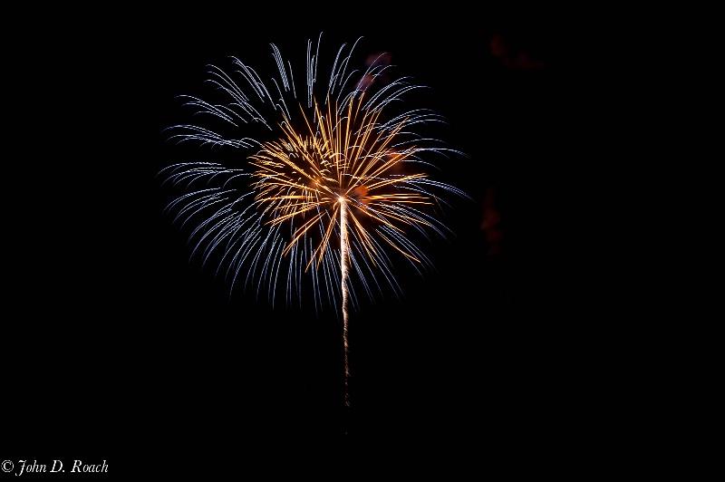 2011 july 4 fireworks  4 - ID: 11940392 © John D. Roach