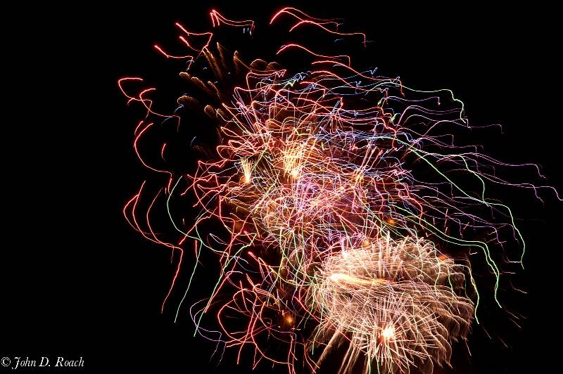 2011 july 4 fireworks  9 - ID: 11940394 © John D. Roach