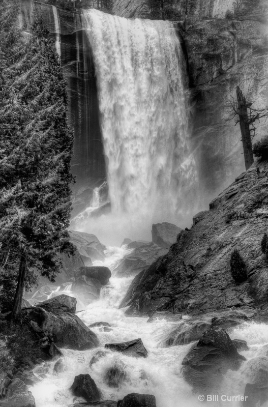Vernal Falls - Yosemite - ID: 11948558 © Bill Currier