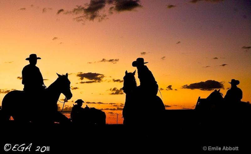 Cowboy Silhouettes at predawn - ID: 12251957 © Emile Abbott