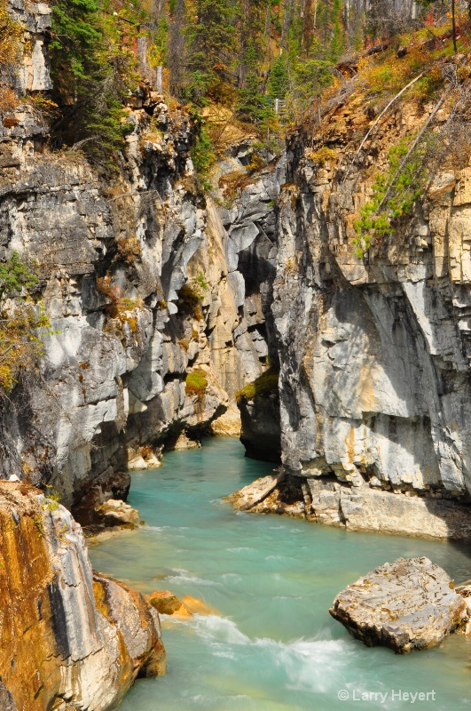 Marble Canyon in Kootenay National Park - ID: 12303372 © Larry Heyert