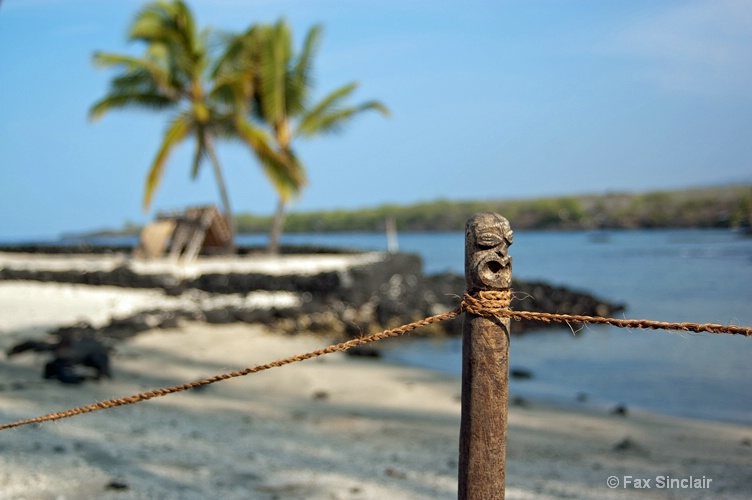 Kapu - No Beach for you! - ID: 12842798 © Fax Sinclair