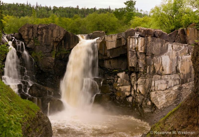 Victoria Falls - ID: 12860569 © Roxanne M. Westman
