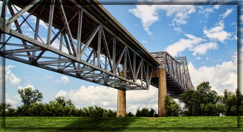 Bridge Tech - ID: 13093171 © JudyAnn Rector
