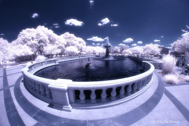 Fountain - ID: 13106795 © Sibylle Basel