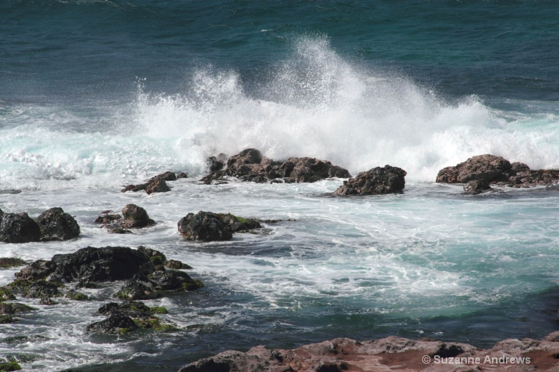 North Maui Waves - ID: 13151630 © Suzanne Andrews