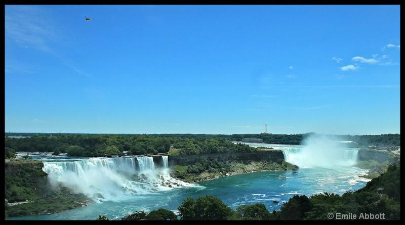 Niagara Falls - ID: 13242258 © Emile Abbott