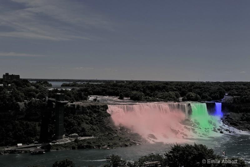 American and Bridal Veil Falls, Niagara - ID: 13249345 © Emile Abbott