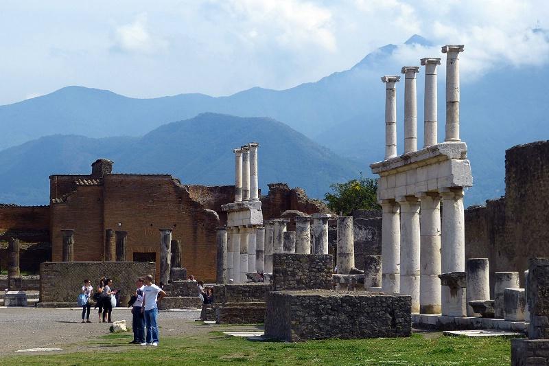 Standing Columns (Pompeii) - ID: 13269388 © STEVEN B. GRUEBER