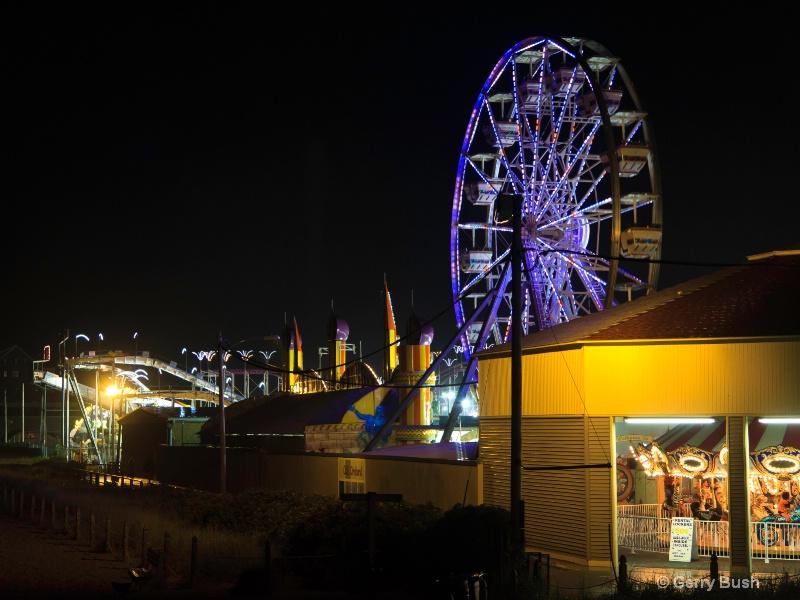 MT11/12 Ferris Wheel at Amusement Park - ID: 13562401 © Gerald Bush