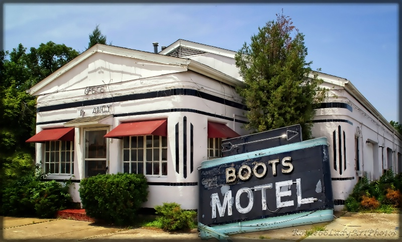 The Boots Motel - ID: 13594912 © JudyAnn Rector