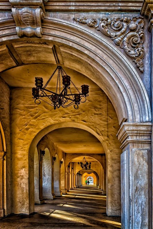 Arches - ID: 13595503 © Karen Celella