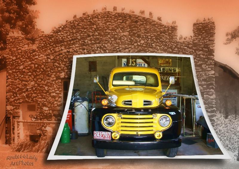 The Garage - ID: 13600491 © JudyAnn Rector