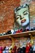 Shoe Store Displa...