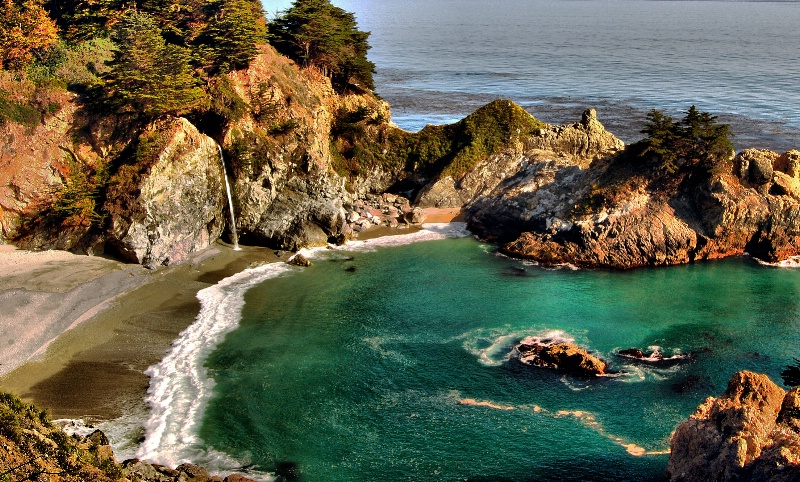 McWay Falls - ID: 13672602 © Clyde P. Smith