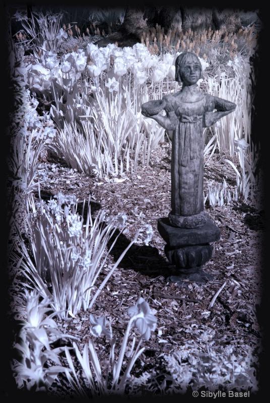 Infrared garden - ID: 13718183 © Sibylle Basel