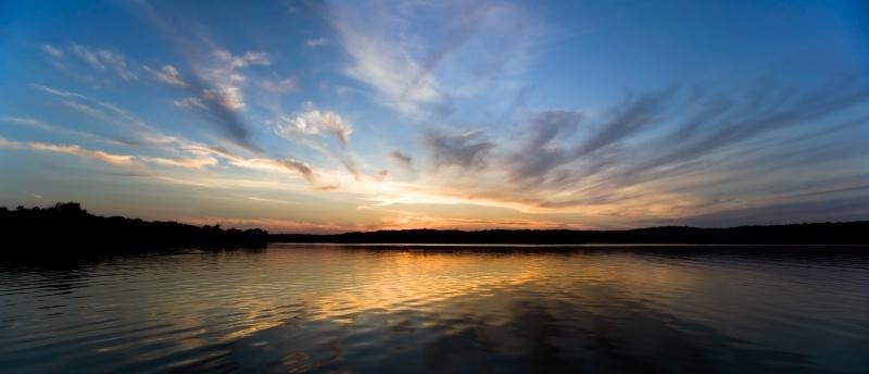 Kent Lake Reflection - ID: 13741924 © Hsiao-Tung Yang