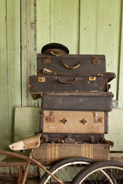 Suitcases and bicycles - ID: 13841813 © Dreaming Tree Galleries