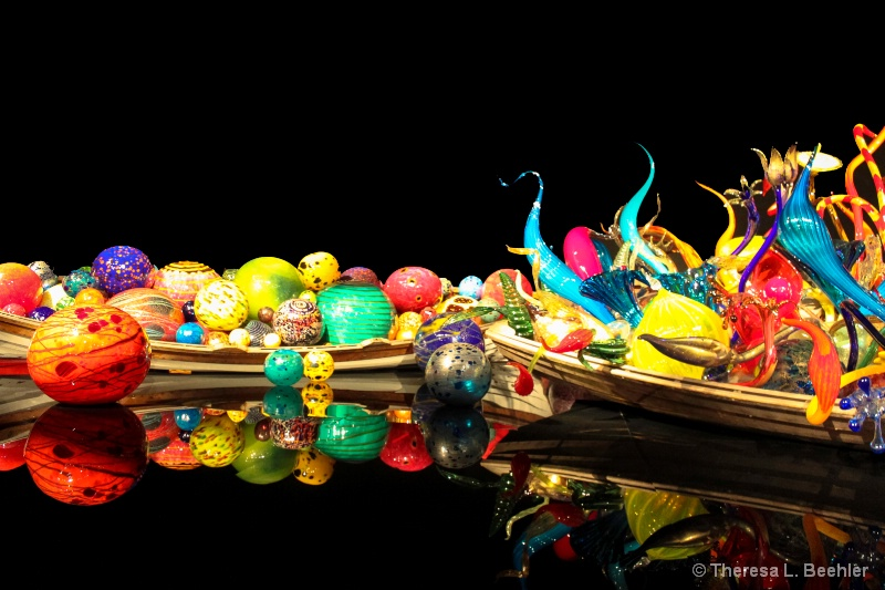 Glass Filled Boats - ID: 13848306 © Theresa Beehler