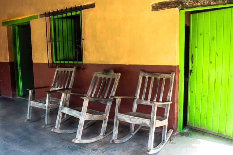 Porch in Mexico - ID: 13848424 © Theresa Beehler