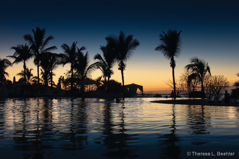 Dusk in Mexico - ID: 13857864 © Theresa Beehler