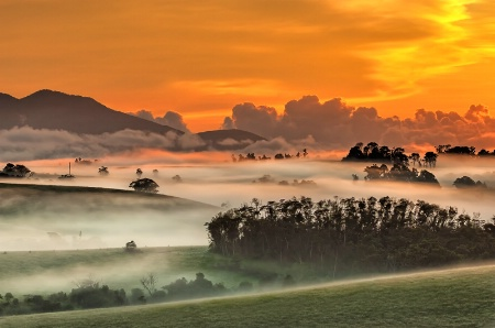 Photography Contest Grand Prize Winner - May 2013: Sunrise on the Tablelands