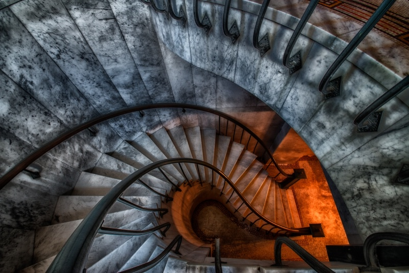 MT 7/13 Light at the End of the Stairs - ID: 14001050 © Bill Currier