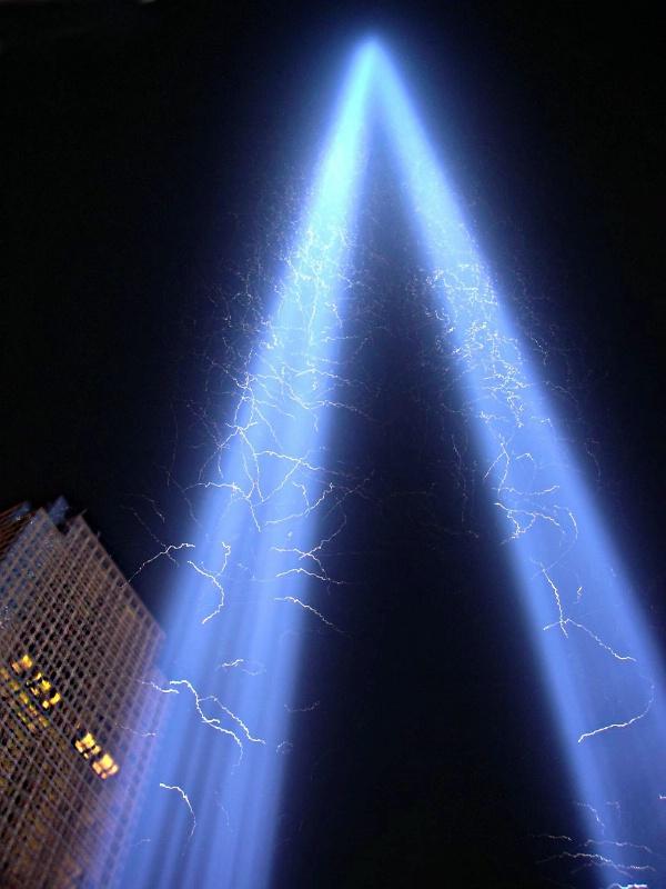 Tribute Of Light 9-11 - ID: 14103428 © Karen Celella