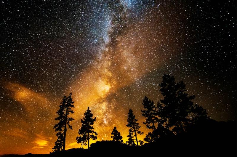 Fire in the Night Sky - ID: 14178592 © Bill Currier