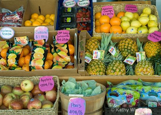 Market Blvd Sidewalk Fruit Stand In Chehalis, WA - ID: 14201782 © Kathy K. Whitfield