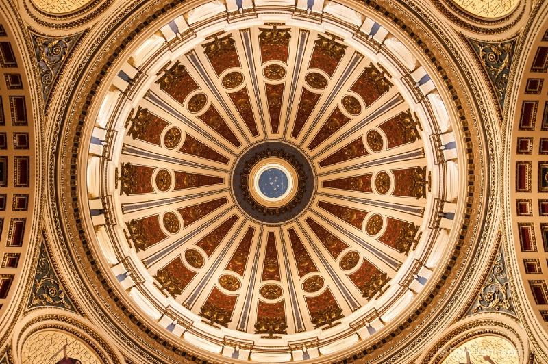 Harrisburg Statehouse Dome - ID: 14244045 © Don Johnson