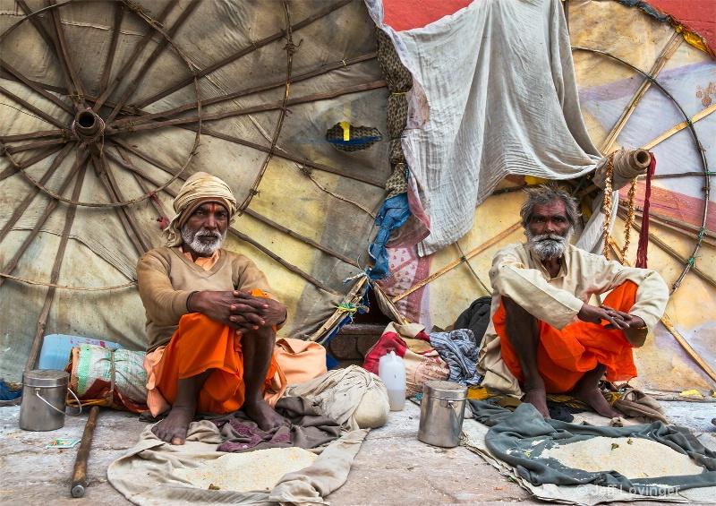 Benares Sadhus, Varanassi, India   - ID: 14271280 © Jeff Lovinger