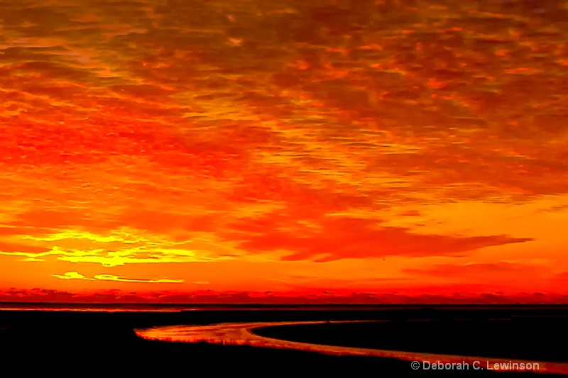 Red Sky in the Morning - ID: 14407712 © Deborah C. Lewinson