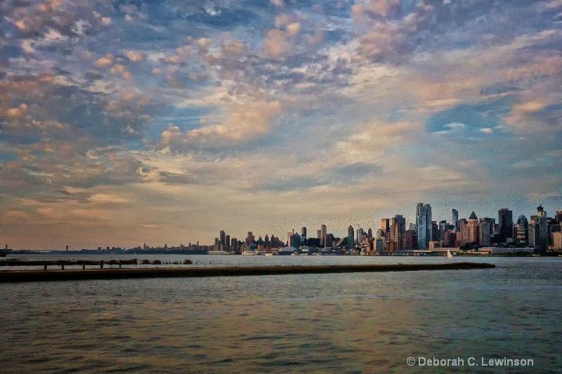Manhattan Sunset - ID: 14571338 © Deborah C. Lewinson