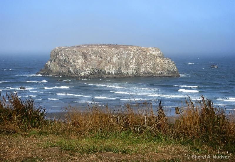 Table Rock, Brandon Oregon - ID: 14666517 © Sheryl A. Hudson