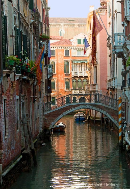 img 3045 canal a sky - ID: 14723549 © Cynthia Underhill
