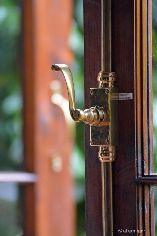 The Brass Latch dsc 2331 copy - ID: 14788479 © al armiger